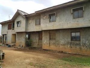 6 bedroom Residential Land Land for sale Elepe, Along ijede road, Ikorodu.(its behind elepe mkt, right on ijede express rd.) Ijede Ikorodu Lagos