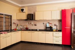 4 bedroom Shared Apartment Flat / Apartment for rent Chevy view Estate chevron Lekki Lagos
