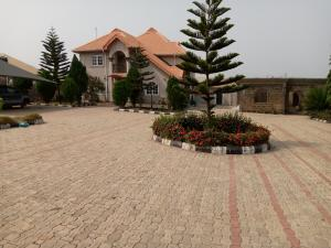 5 bedroom Detached Duplex House for sale Located along ilobu road, okinni, osun state Osogbo Osun