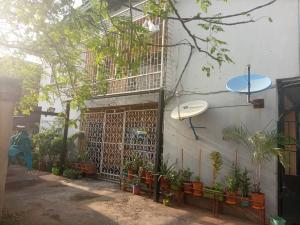 3 bedroom Blocks of Flats House for sale off sura mogaji (ILUPEJU ESTATE) Coker Road Ilupeju Lagos