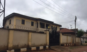 3 bedroom Blocks of Flats House for sale Located at first ugbor GRA, Benin city Oredo Edo