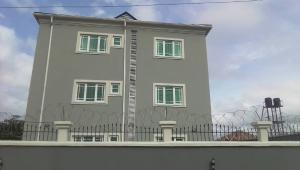 3 bedroom Blocks of Flats House for rent monastery road, shoprite Sangotedo Ajah Lagos
