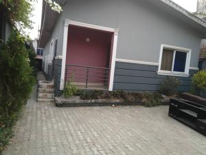 3 bedroom Flat / Apartment for sale Off St finbarrs Road Akoka Yaba Lagos