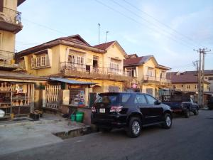 2 bedroom Blocks of Flats House for sale Phase 1 Gbagada Lagos