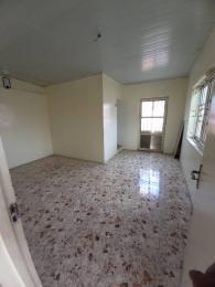 3 bedroom Flat / Apartment for rent Folagoro beside Modupe,Yaba. Fola Agoro Yaba Lagos