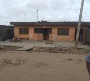 6 bedroom Detached Bungalow House for sale Off Governor's Road Ikotun Ikotun/Igando Lagos