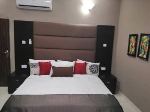 3 bedroom Detached Duplex House for rent Olive Court, Behind Governor's Residence, Secretariat Gra Agodi Ibadan Oyo