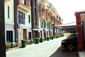 4 bedroom Terraced Duplex House for shortlet ONIRU Victoria Island Lagos