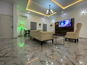 4 bedroom Studio Apartment Flat / Apartment for shortlet Diank Terraces,  Conservation Road Chevron, Lekki Expressway, Lekki, Lagos. chevron Lekki Lagos