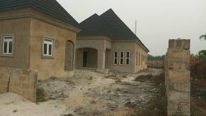 4 bedroom Detached Bungalow House for sale agbarho  express RD after police station  Warri Delta
