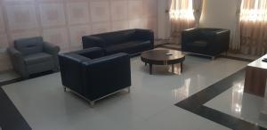 10 bedroom Flat / Apartment for sale   Kado Abuja