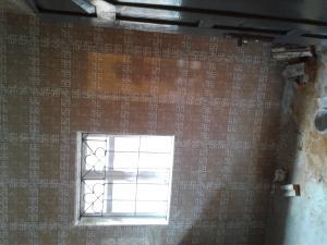 2 bedroom Flat / Apartment for rent  Oremeji Street, Off Salawu Street, Off arowojobe Arowojobe Oshodi Lagos