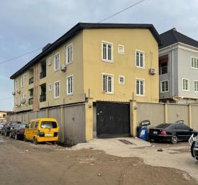 3 bedroom Flat / Apartment for sale off Bajulaiye off Fola Agoro Shomolu Shomolu Lagos