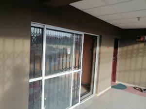2 bedroom Flat / Apartment for rent Bovas filling station axia Akala Express Ibadan Oyo