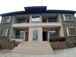 3 bedroom Blocks of Flats House for rent Off Ring Road, Ibadan. Ring Rd Ibadan Oyo