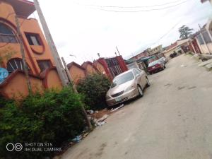 3 bedroom Penthouse Flat / Apartment for rent Folagoro area Fola Agoro Yaba Lagos