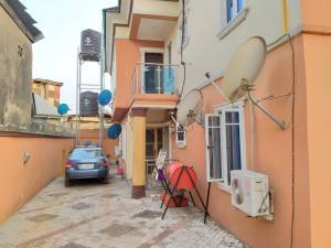 2 bedroom Penthouse Flat / Apartment for rent Bello street New garage Gbagada Lagos