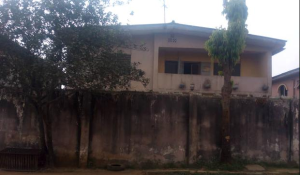 3 bedroom Blocks of Flats House for sale alafia avenue Ejigbo Lagos