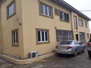 3 bedroom Flat / Apartment for rent Off OBANIKORO ESTATE, IKORODU ROAD, LAGOS Ikorodu road(Ilupeju) Ilupeju Lagos