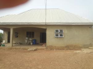 3 bedroom Detached Bungalow House for sale Jikwoyi phase 4 dominion street Jukwoyi Abuja