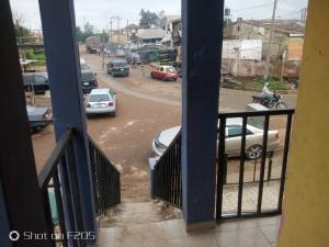 Commercial Property for rent Seven Days Area, Iyaganku Okeado Road. Iyanganku Ibadan Oyo
