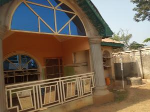 3 bedroom Detached Bungalow House for sale Adeola,area, Along All souls school, idi igbaro, eleyele Ibadan Eleyele Ibadan Oyo