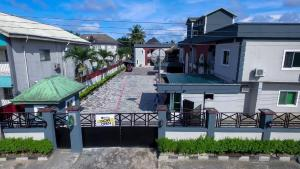 10 bedroom Hotel/Guest House Commercial Property for sale Bishop Dimeari Street, GRA Phase 2 Old GRA Port Harcourt Rivers