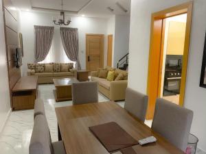 3 bedroom House for shortlet Sule Olusesi Road chevron Lekki Lagos