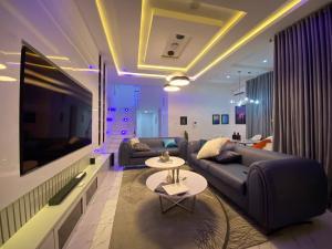 4 bedroom Semi Detached Duplex House for shortlet Lekki Phase 2, Lekki, Lagos chevron Lekki Lagos