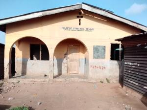 8 bedroom Detached Bungalow for sale Cele Blue Junction,ope Ilu Agbado Ifo Ogun