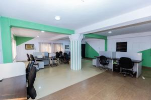 Workstation Co working space for shortlet Olu Koleosho Street. Obafemi Awolowo Way Ikeja Lagos