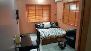 2 bedroom House for shortlet At Lekki Phase 2 Lekki Lagos