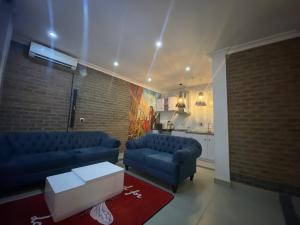 1 bedroom Self Contain for shortlet   ONIRU Victoria Island Lagos