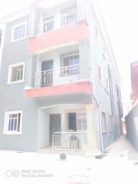 2 bedroom Penthouse Flat / Apartment for rent Onipan area/shomolu Onipanu Shomolu Lagos