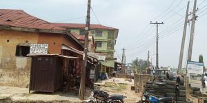 House for sale Main road  Oke ado Ibadan Oyo