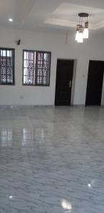 2 bedroom Blocks of Flats House for rent BEHIND OZONE CENTRE Sabo Yaba Lagos