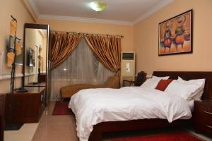1 bedroom Flat / Apartment for shortlet Shonibare Estate Maryland Lagos