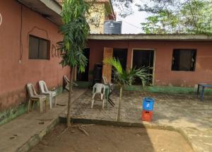 4 bedroom Detached Bungalow House for sale Alafia avenue street Ejigbo Ejigbo Lagos