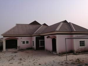 3 bedroom Detached Bungalow House for rent Nissi village,behind indomie Chikun Kaduna
