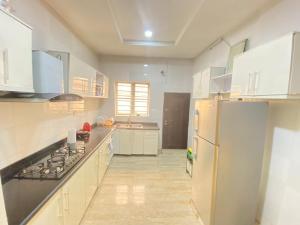 4 bedroom Terraced Duplex House for sale Chevron  Lagos Island Lagos Island Lagos