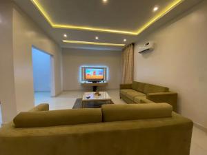 4 bedroom Mini flat Flat / Apartment for shortlet Frisco Court, Gbangbala Street, Ikate Elegushi, Lekki, Lagos Lekki Phase 1 Lekki Lagos