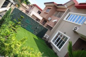 4 bedroom Semi Detached Duplex House for rent Femi Okunnu Phase II, almost opp Circle Mall Jakande Lekki Lagos
