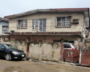 2 bedroom Blocks of Flats House for sale Ijesha  Ijesha Surulere Lagos