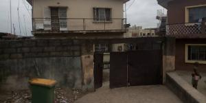 2 bedroom Blocks of Flats House for sale Branco street Mafoluku Oshodi Lagos