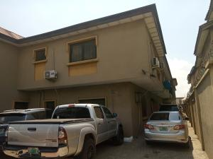 3 bedroom Blocks of Flats for sale Owolegbon Atunrase Medina Gbagada Lagos