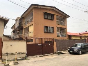 Blocks of Flats House for sale Oyadiran Estate, Sabo, Yaba. Sabo Yaba Lagos