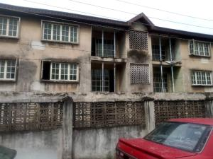 3 bedroom Blocks of Flats House for sale Ilojo Obanikoro Shomolu Lagos