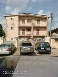 3 bedroom Blocks of Flats House for sale Off ogunlana Ogunlana Surulere Lagos