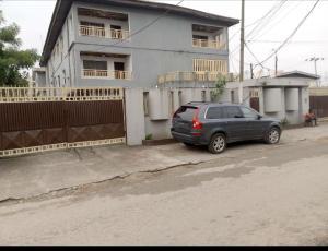 3 bedroom Blocks of Flats House for sale Olutunda street, Ilupeju Lagos