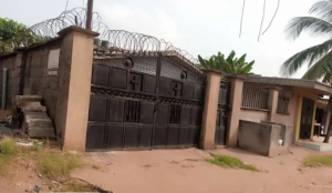 2 bedroom Blocks of Flats House for sale 200 Feet Off Sapele Road Central Edo